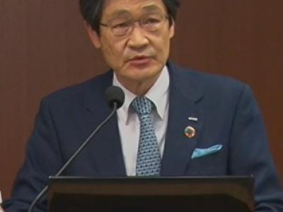 説明するNTTデータ 代表取締役社長 本間洋氏