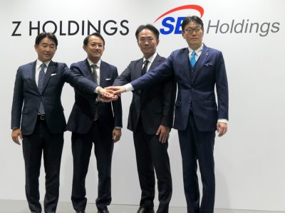 左からZホールディングス 代表取締役社長 川邊 健太郎氏